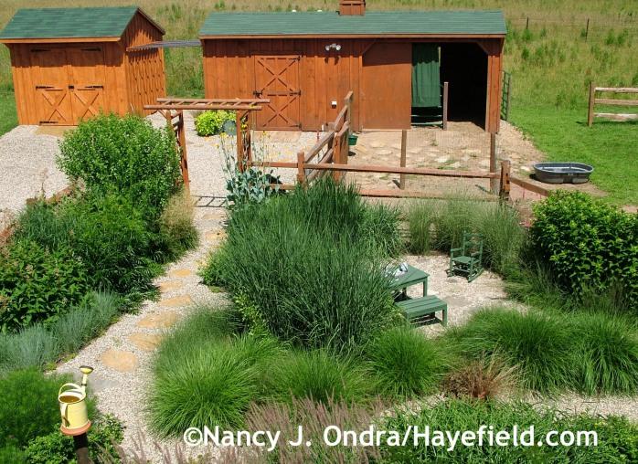Courtyard in summer 2005 at Hayefield.com
