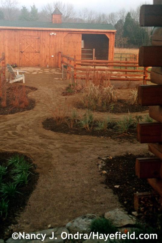 Path to barn November 2003 at Hayefield.com